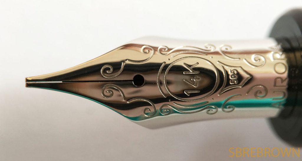 Aurora Optima Burgundy Auroloid + Italic Nib Fountain Pen Review
